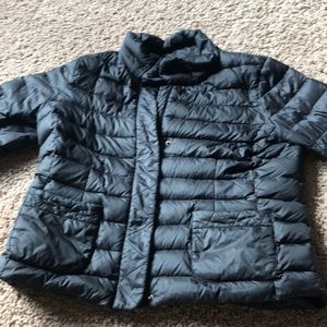 Like new Lands End packable puffer jacket  size M